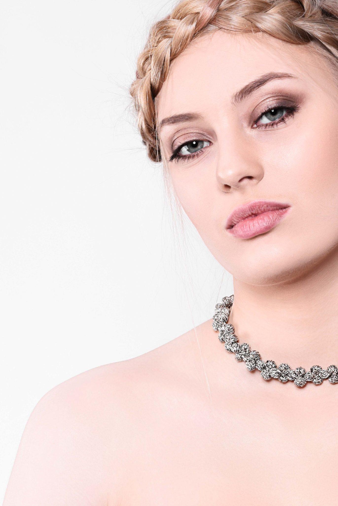 www.avantgarderobe.de-kriebel-schmuck-necklace-kette-fluegelperlen-silber